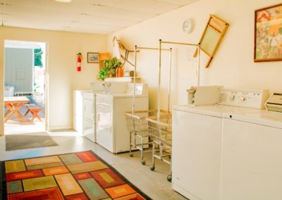 Garden-Oasis-RV-Park-Laundry-Room